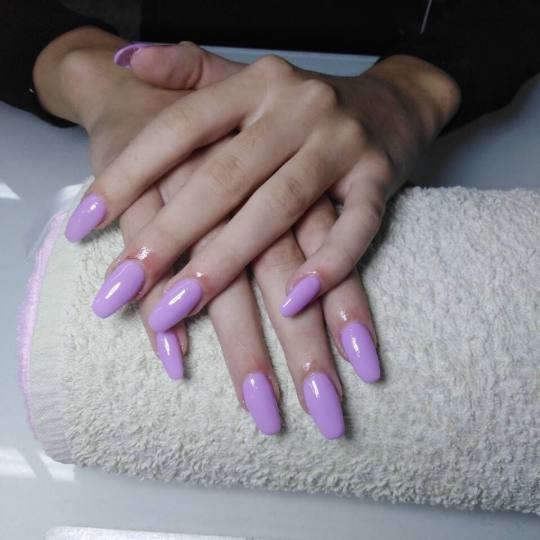 Estetic beauty centar Amica #beograd Nadogradnja noktiju Nadogradnja noktiju tipsama - boja Gel tehn