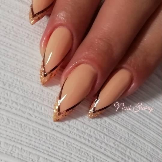 Nail Story #beograd Manikir Nail Story aparatni manikir + korekcija noktiju + trakice za nokte + fol