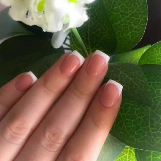 Nini A #beograd Ojačavanje noktiju Ojačavanje prirodnih noktiju gelom + gratis parafisnko pakovanj