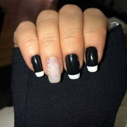 BB Studio #beograd Izlivanje noktiju Izlivanje noktiju gelom + french
