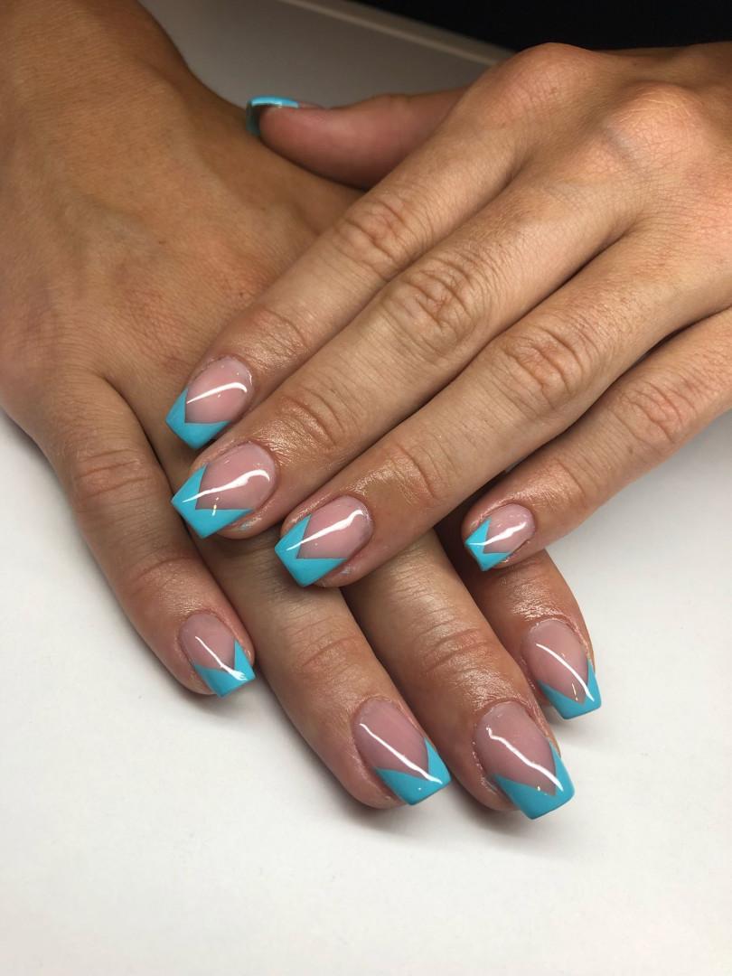 LookBook Mademoiselle Beauty Korekcija ojačavanja noktiju gelom - rad salona