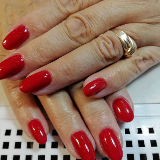 Salon Klinik #beograd Ojačavanje noktiju Ojačavanje prirodnih noktiju gelom