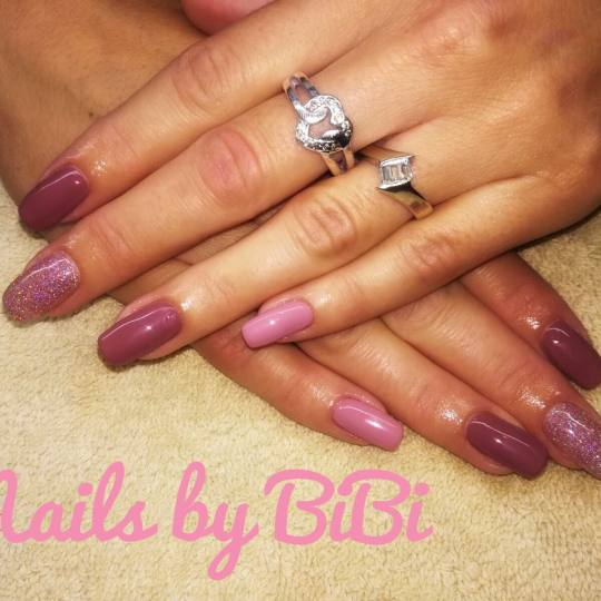 Bibi beauty centar #beograd Izlivanje noktiju Izlivanje noktiju gelom - kratki nokti nove pastelne n