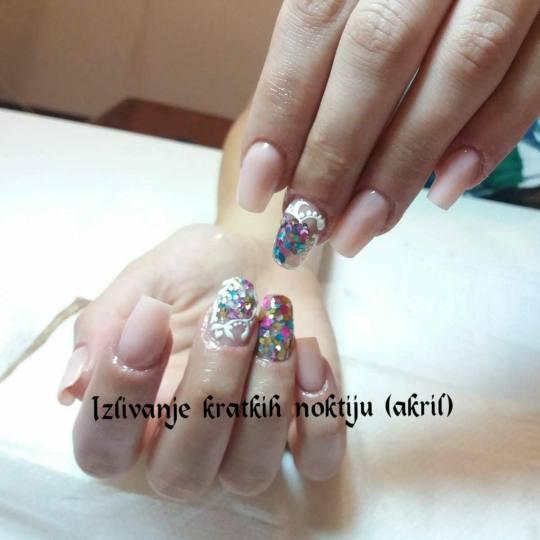 Victoriya Art #beograd Izlivanje noktiju Izlivanje noktiju akrilom - kratki nokti