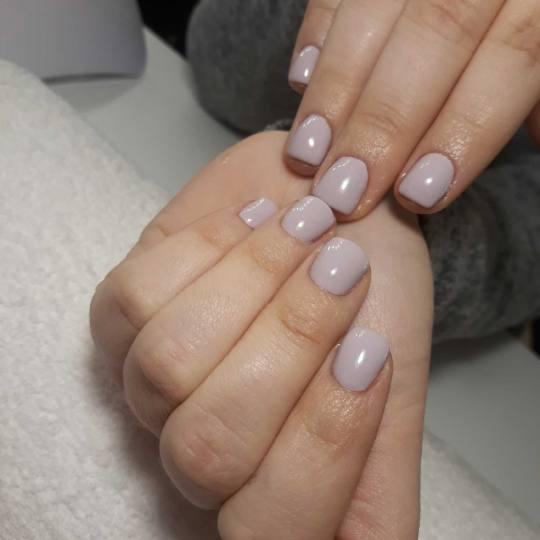 BB Studio #beograd Ojačavanje noktiju Ojačavanje prirodnih noktiju gelom