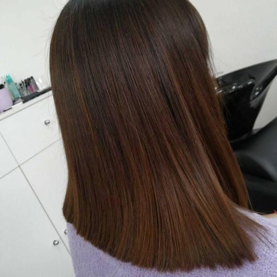 M Studio 0303 #novisad Farbanje kose Farbanje izrastka + feniranje na ravno / lokne - kratka kosa Fa