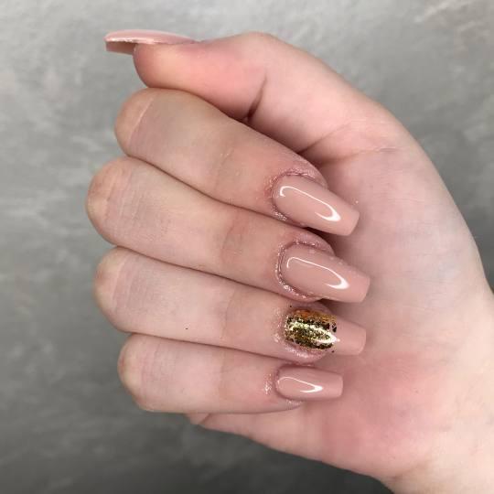 Studio Crystal by Sandra #beograd Ojačavanje noktiju Ojačavanje prirodnih noktiju gelom 🎀 . . .