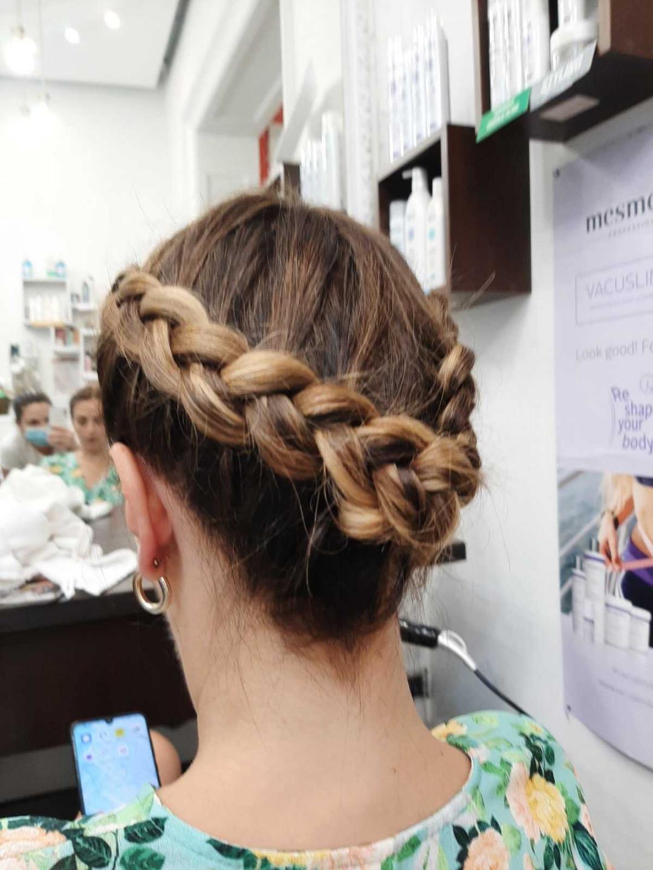 LookBook OPI - ALOXXI Zira Svečana frizura - kosa srednje dužine