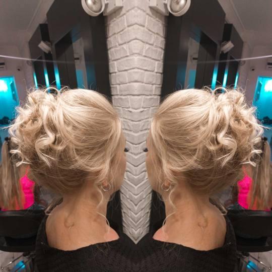 Studio Terazije #beograd Svečane i frizure za svadbu Svečana frizura - složena