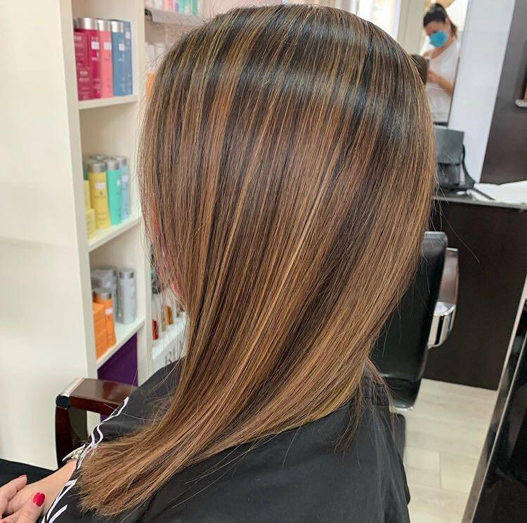 LookBook Hair Solutions Pramenovi na foliju 2 i više boja + preliv - kosa srednje dužine