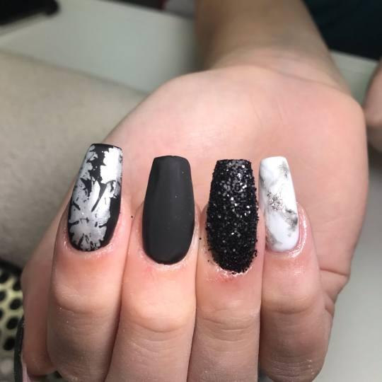 Studio Crystal by Sandra #beograd Izlivanje noktiju Korekcija izlivanja / ojačavanja noktiju gelom