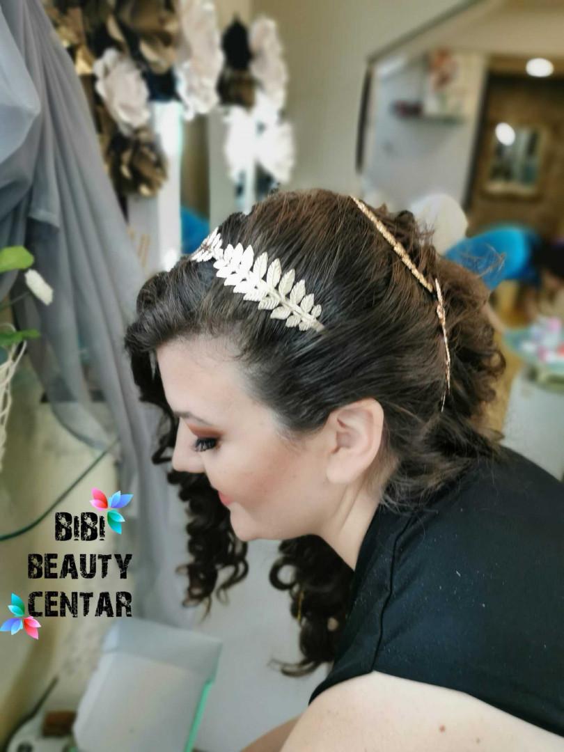 LookBook Bibi beauty centar Svečana frizura - kosa srednje dužine