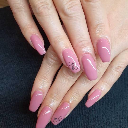 Right Beauty #beograd Izlivanje noktiju Izlivanje noktiju – srednji