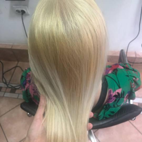 Paradiso #beograd Farbanje kose Farbanje cele dužine - kosa srednje dužine Blajhanje