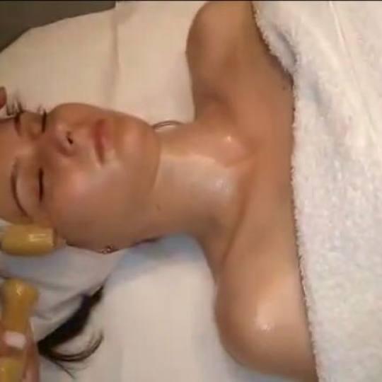 Eden #beograd Masaža lica Maderoterapija lica + kozmetička masaža lica + maska Masaža lica