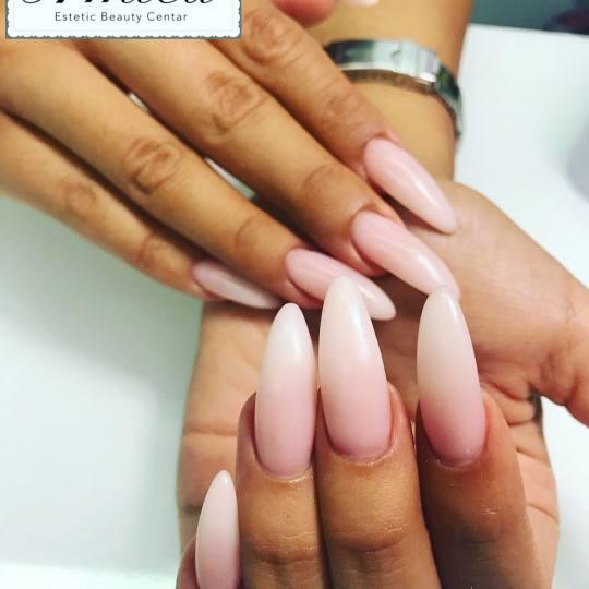 Estetic beauty centar Amica #beograd Izlivanje noktiju Izlivanje noktiju - french