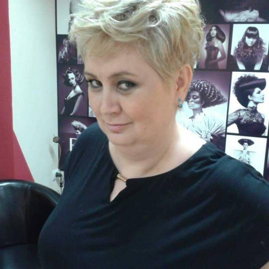 Bubi #beograd Feniranje i stilizovanje Feniranje na ravno / lokne - kratka kosa Feniranje