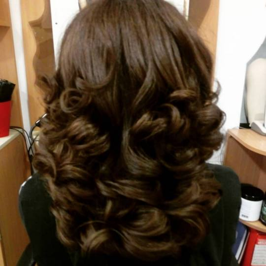Nataly Trend Studio #novisad Farbanje kose Farbanje + feniranje na ravno / lokne - duga kosa