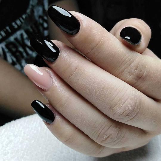 Headroom #beograd Ojačavanje noktiju Korekcija ojačavanja prirodnih noktiju gelom - rad salona