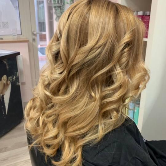Hair Solutions #beograd Farbanje kose Blond farbanje - kosa srednje dužine