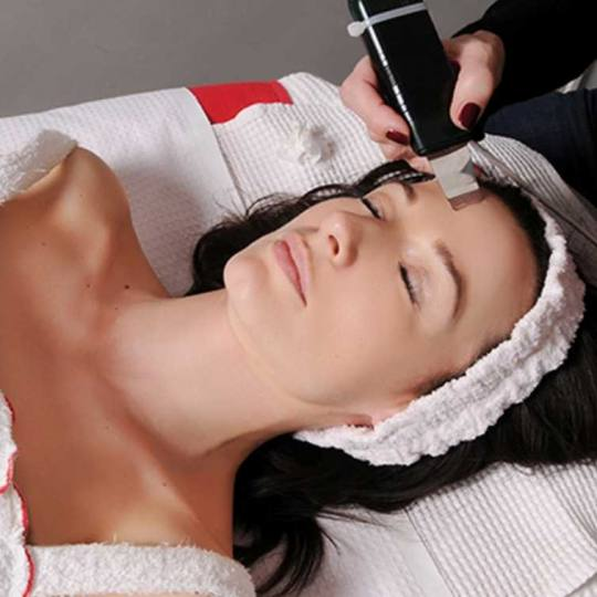 Grossi cosmetic #beograd Tretman lica Ultrazvučni piling lica