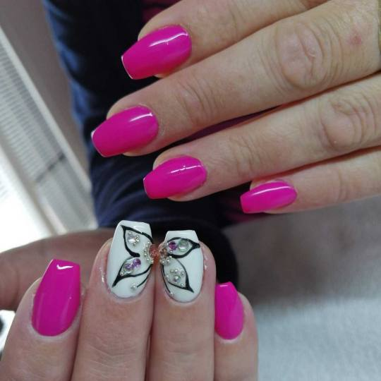 Estetik & Hairstilyst studio F #beograd Izlivanje noktiju Izlivanje noktiju gelom nails art