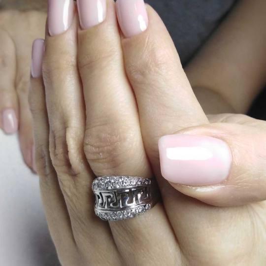 Headroom #beograd Ojačavanje noktiju Korekcija ojačavanja prirodnih noktiju gelom - rad salona Mil