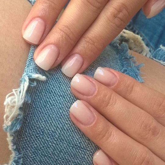 Baroque #beograd Manikir Ojačavanje prirodnih noktiju gelom