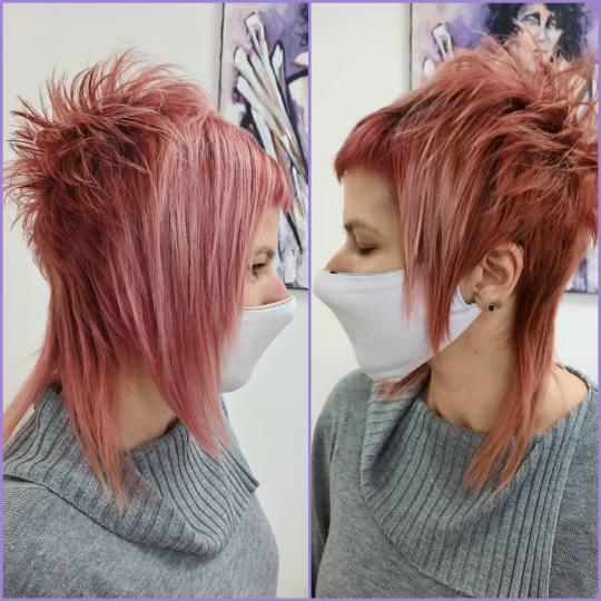 Studio Šišarka #nis Šišanje Žensko šišanje - kratka kosa