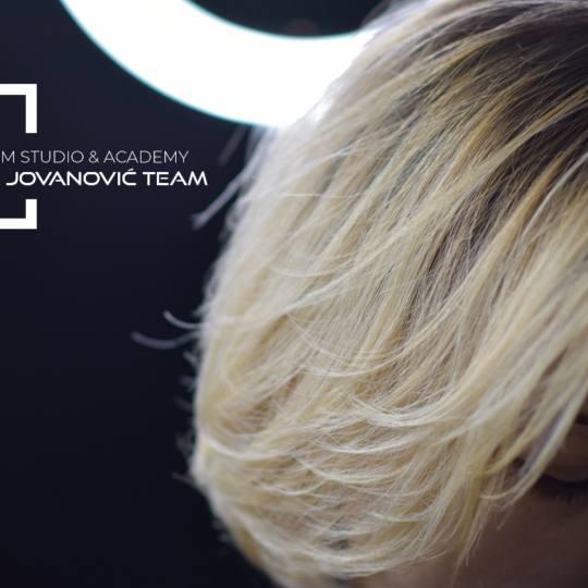 Viktor Jovanović TEAM #subotica Nega i ojačavanje kose CADIVEU extreme repair tretman