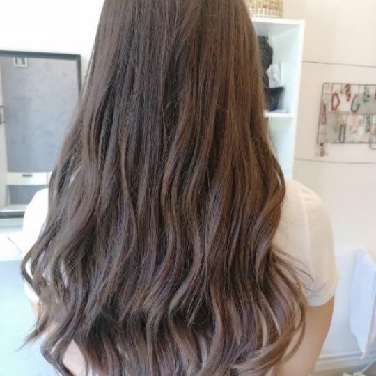 Salon Klinik #beograd Feniranje i stilizovanje Feniranje lokne / talase - kratka / kosa srednje duž