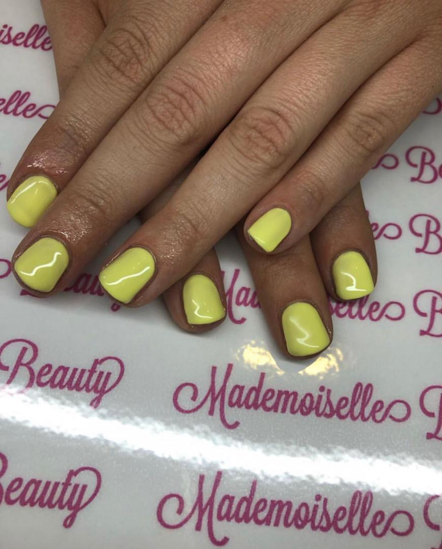 LookBook Mademoiselle Beauty Ojačavanje noktiju gelom - ruke