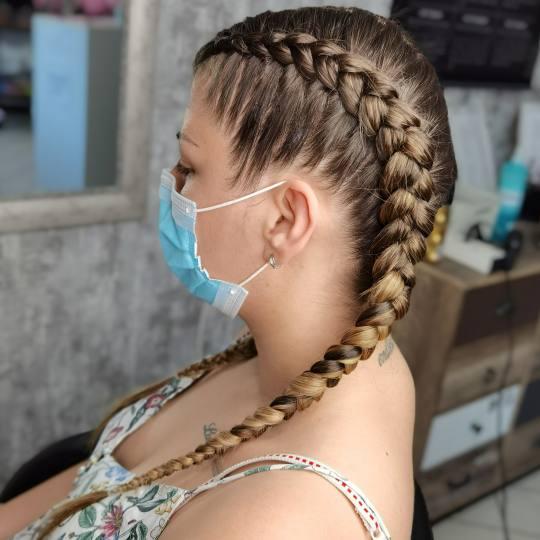 Sanja Afro Frizerka #nis Pletenice, kike, punđe Riblja kost dužinom cele kose