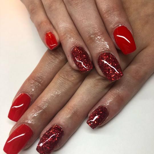 Mademoiselle Beauty #beograd Izlivanje noktiju Izlivanje noktiju gelom - kratki / nokti srednje duž