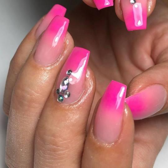 Mademoiselle Beauty #beograd Ojačavanje noktiju Korekcija ojačavanja noktiju gelom - rad salona