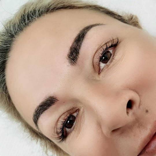 Salon lepote Felicita #beograd Trajna šminka Japansko iscrtavanje obrva + prva korekcija