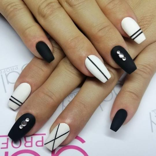 Nail office - deaktivirano #beograd Manikir Izlivanje noktiju gelom + boja