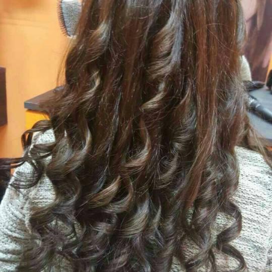 Valentina - Tina S #beograd Feniranje i stilizovanje Feniranje kose srednje dužine - na ravno / lok