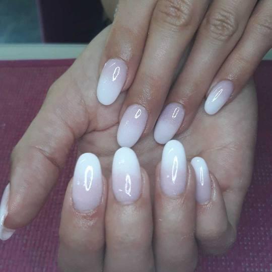 Estetic beauty centar Amica #beograd Nadogradnja noktiju Dipping powder nadogradnja noktiju - ombre
