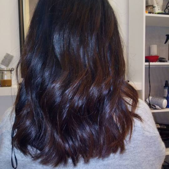 Salon Klinik #beograd Feniranje i stilizovanje Feniranje na lokne - duga kosa Feniranje na talase