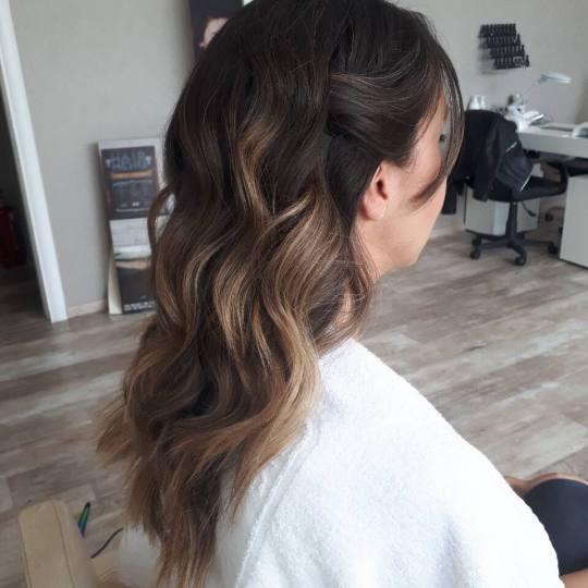 Vortex #beograd Feniranje i stilizovanje Feniranje na lokne - kosa srednje dužine Feniranje na lokn