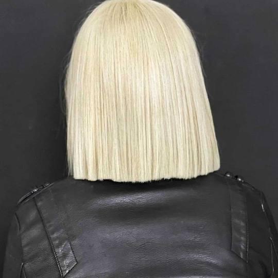 Headroom #beograd Blajhanje kose Blajhanje cele dužine + preliv - kosa srednje dužine
