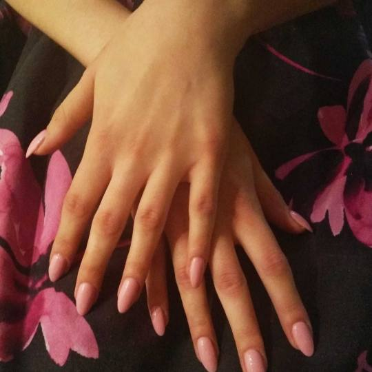 Sestro slatka #beograd Manikir Izlivanje noktiju gelom + suvi manikir