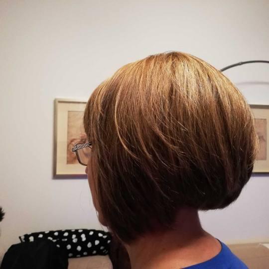Attitude hair salon #beograd Farbanje kose Farbanje cele dužine - kratka kosa
