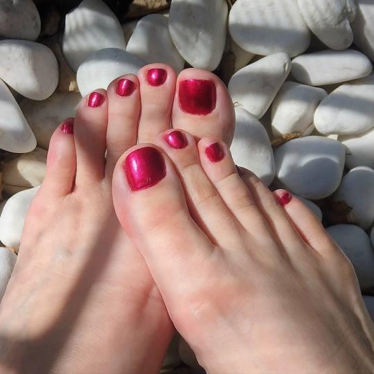Be YOU tiful #novisad Depilacija nogu Depilacija celih nogu hladnim + plitke / duboke prepone toplim
