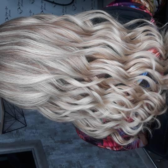 Sanja Afro Frizerka #nis Uvijanje, lokne i talasi Lokne / talasi / cik cak - srednja i duga kosa