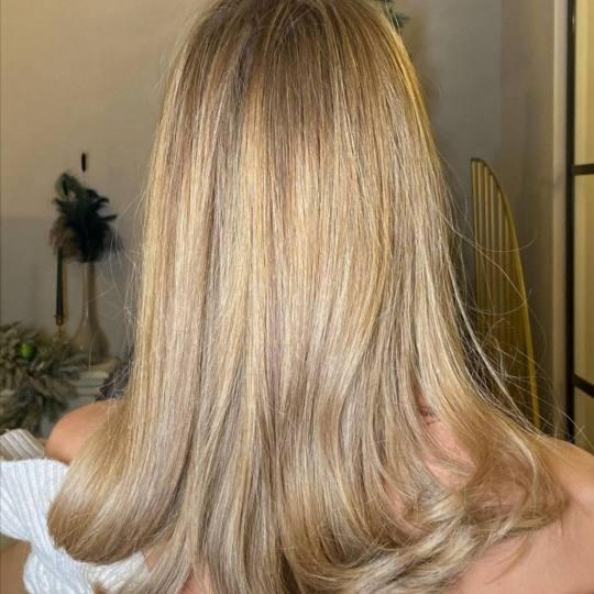 Studio Prostor #beograd Farbanje kose Farbanje cele dužine kose