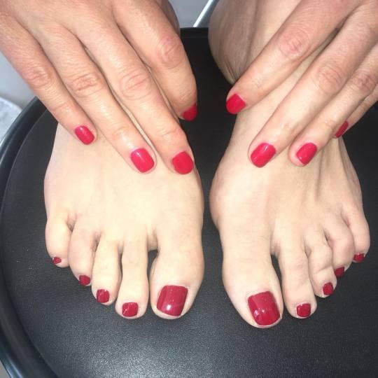 Salon Klinik #beograd Estetski pedikir Estetski pedikir + lakiranje noktiju Manikir i gellak cnd na