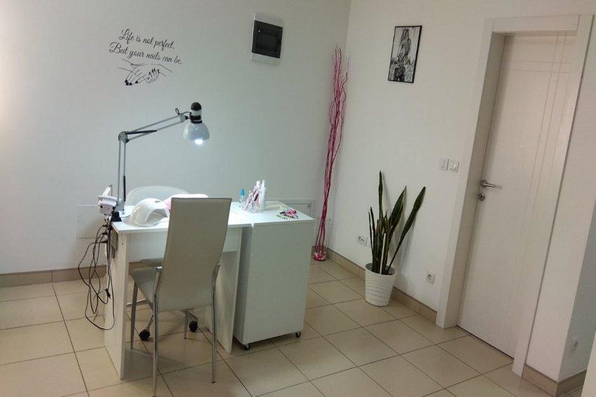 Kozmetički salon Pure studio 037 Kruševac