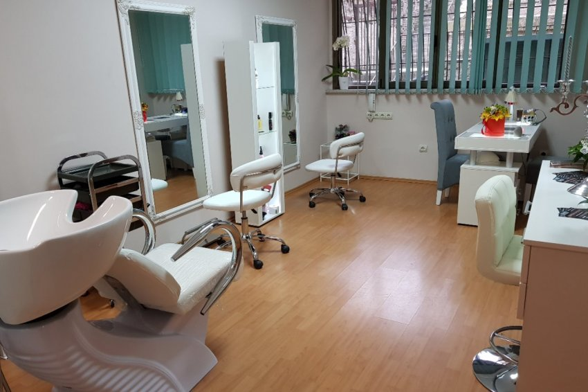 Frizersko-kozmetički salon Queen beauty bar Beograd